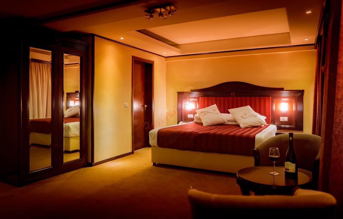 BACAU Revelion 2018 la Slanic Moldova - Hotel Perla