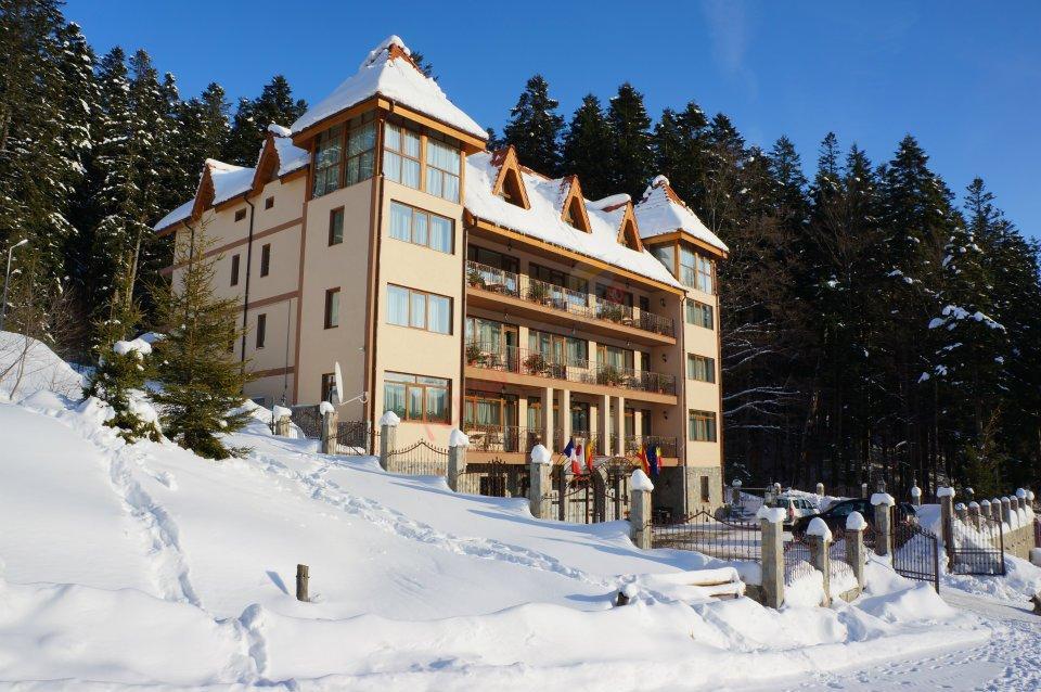 PRAHOVA Revelion 2018 la Sinaia - Hotel Cumpatu