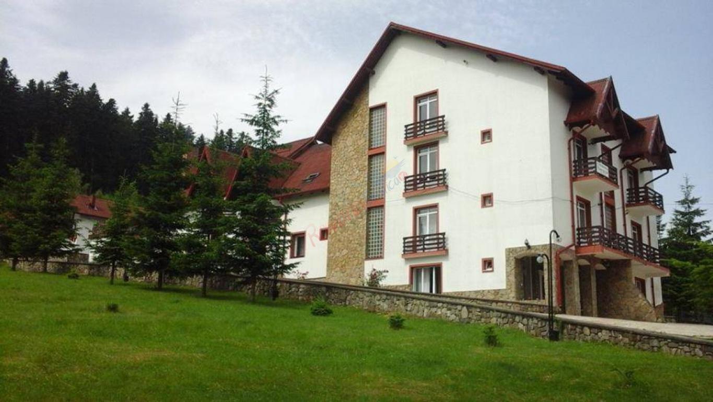 SUCEAVA Paste 2020 in Bucovina - Hotel Floare de Colt Manastirea Humorului
