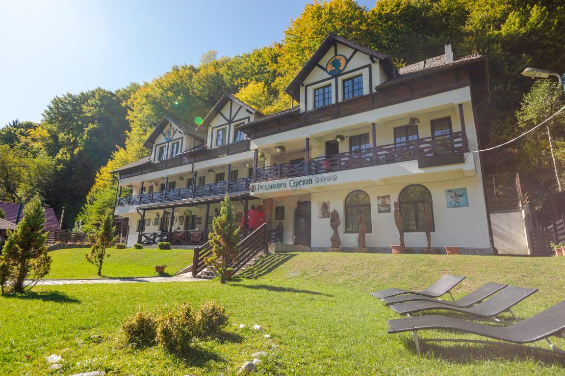 ARGES Oferta Weekend in Rezervatia Naturala Valea Valsanului