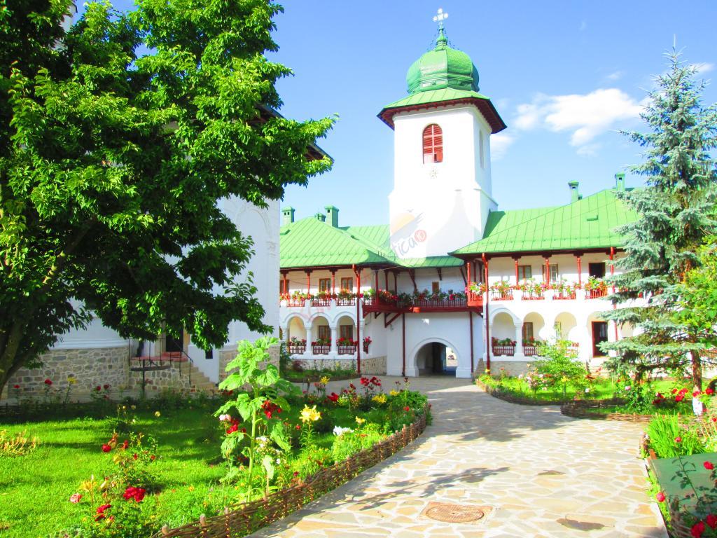 NEAMT Pelerinaj Manastiri Neamt
