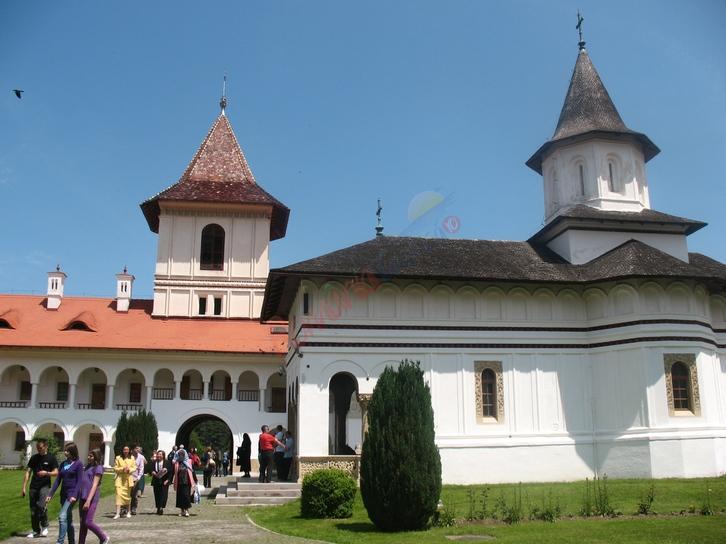 HUNEDOARA Pelerinaj Arsenie Boca Manastirea Sambata de Sus si Manastirea Prislop