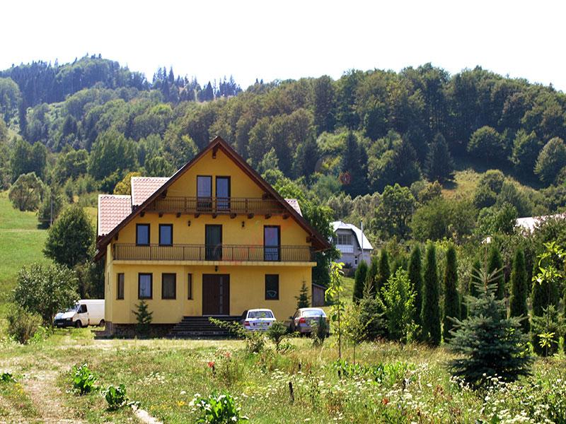 SUCEAVA Paste 2020 in Bucovina - Pensiunea  Grandemi  Belvedere Bucsoaia