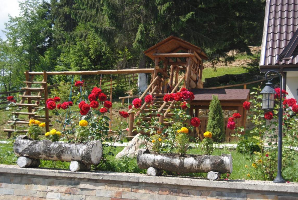SUCEAVA Oferta Paste 2020 Bucovina - Popasul Domnesc Voronet