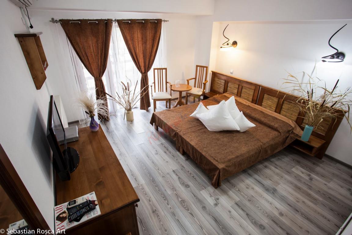 TULCEA Oferta Delta Dunarii 2018 - Peninsula Resort  Murighiol